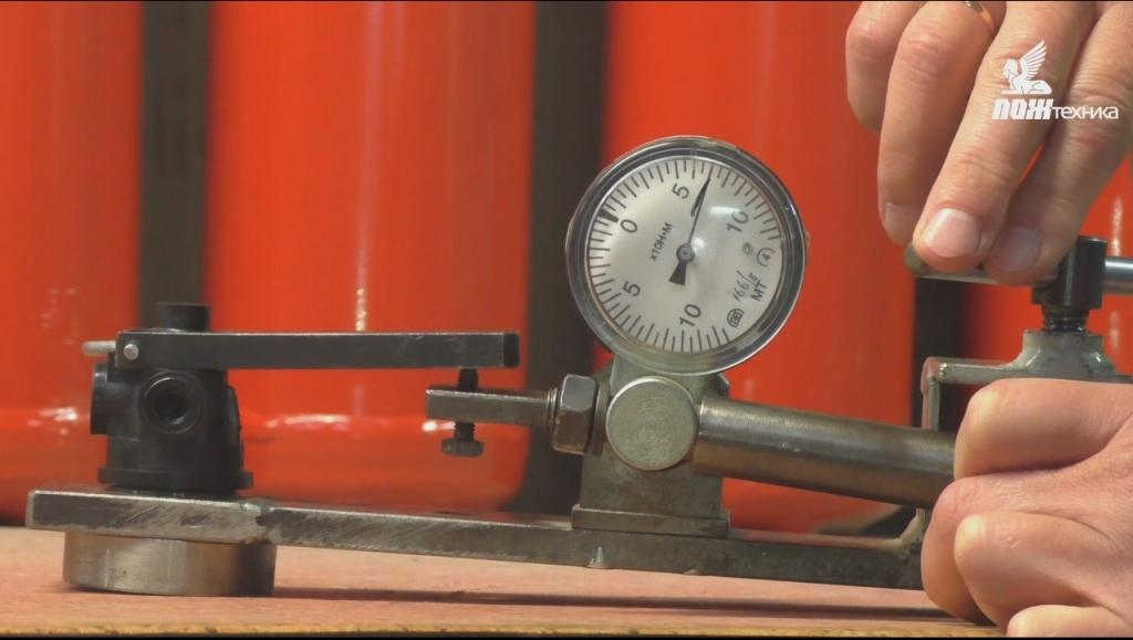 Испытание механической прочности головки запорно-пускового устройства
